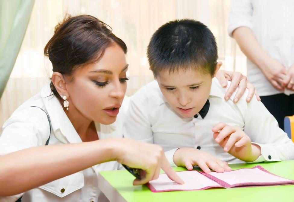 First Vice-President Mehriban Aliyeva visited social service center for children with physical disabilities (PHOTO)