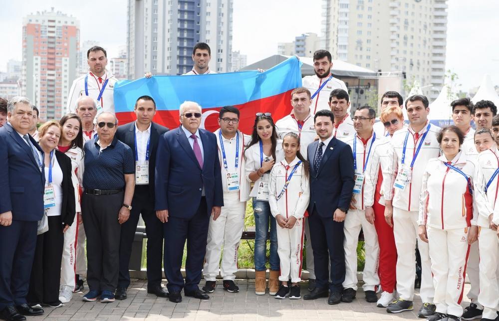 Heydar Aliyev Foundation VP Leyla Aliyeva meets with Azerbaijani athletes competing at 2nd European Games (PHOTO)