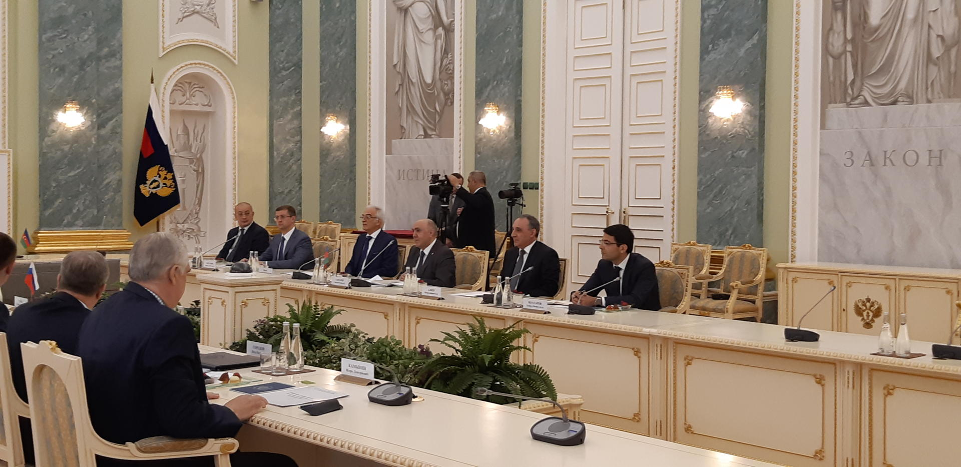 Azerbaijani, Russian prosecutor general's offices sign co-op agreement (PHOTO)