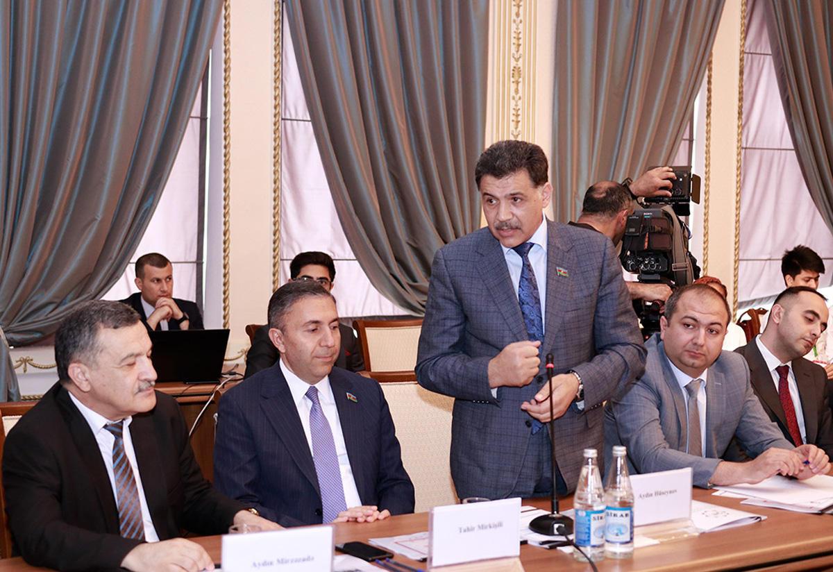 Azərbaycanda ilk dəfə mobil imza vasitəsilə memorandum imzalandı (FOTO)
