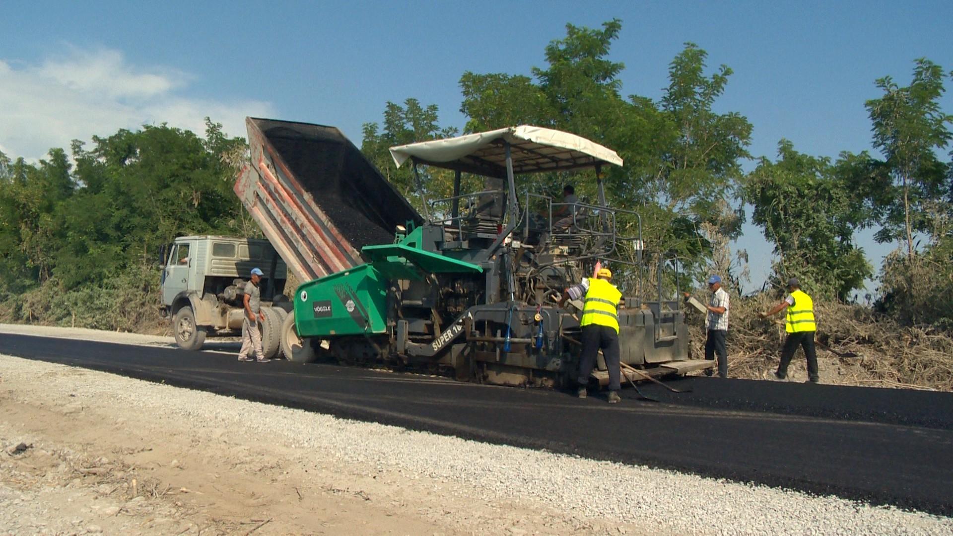 Продолжается масштабная реконструкция дорог в регионах Азербайджана (ФОТО)