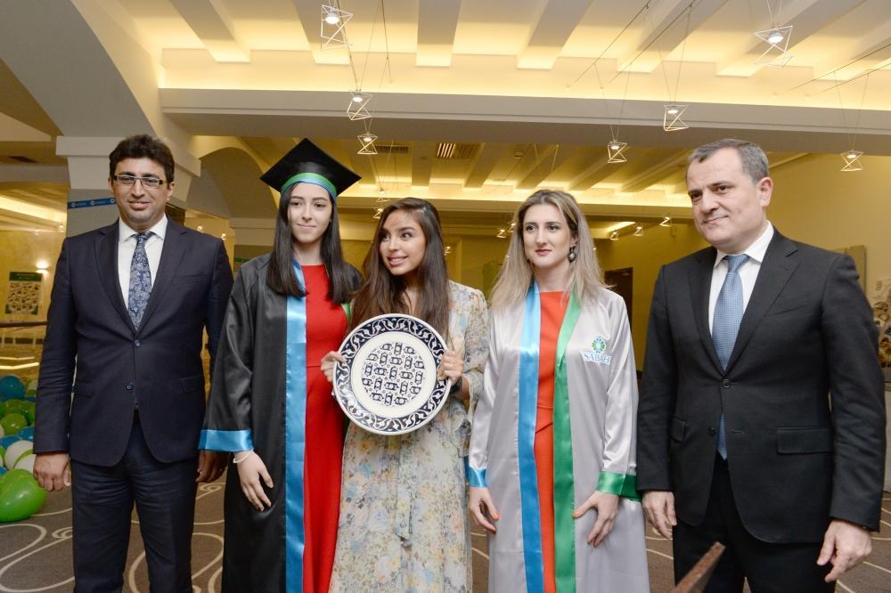 Вице-президент Фонда Гейдара Алиева Лейла Алиева приняла участие в мероприятии под названием «Я - выпускник SABAH»(ФОТО)