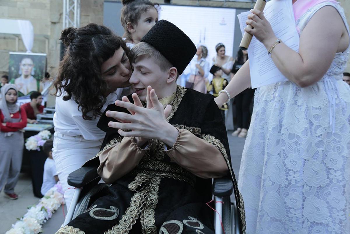 Волшебное дефиле в Баку, или Когда любовь не знает границ (ФОТО)