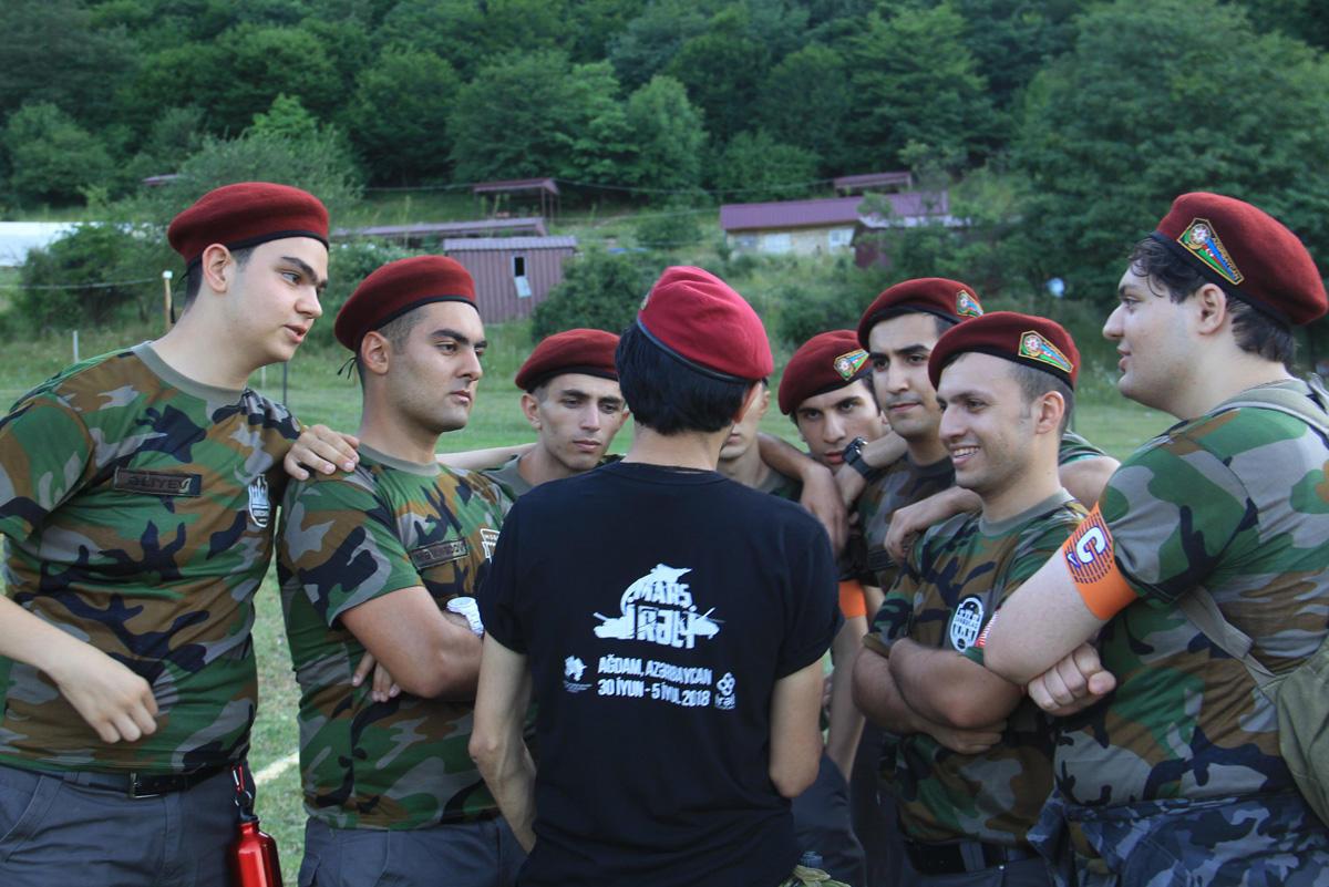 Азербайджанская молодежь прошла обучение ведению боевых действий в экстремальных условиях (ФОТО/ВИДЕО)