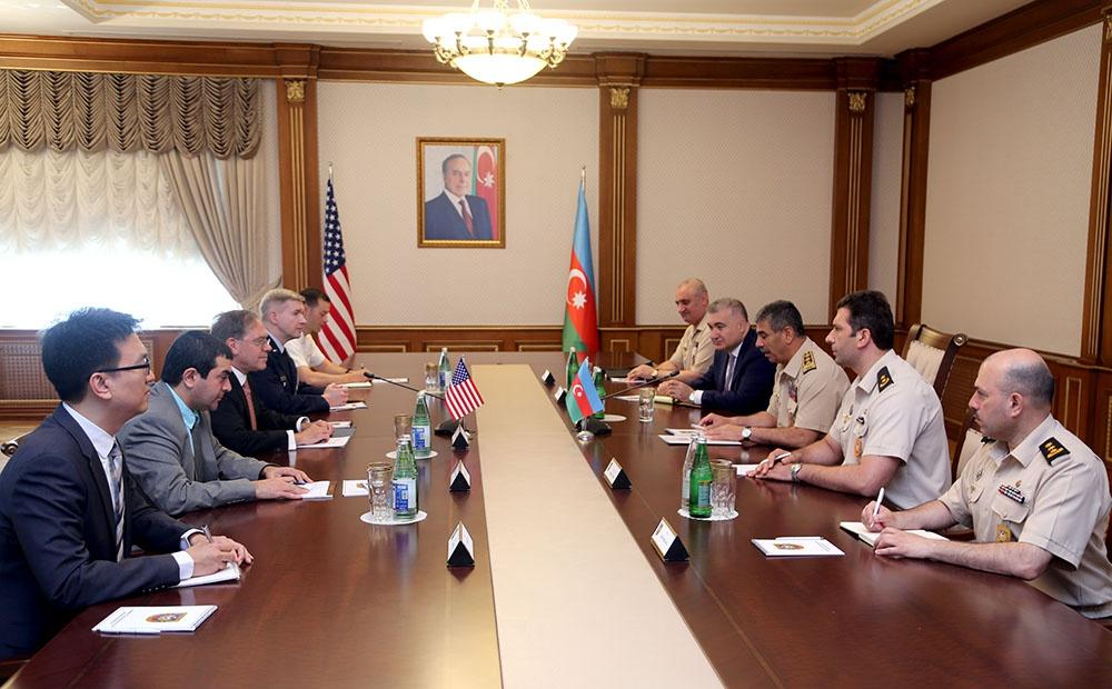 Azerbaijani defense minister meets US ambassador, new military attaché (PHOTO)