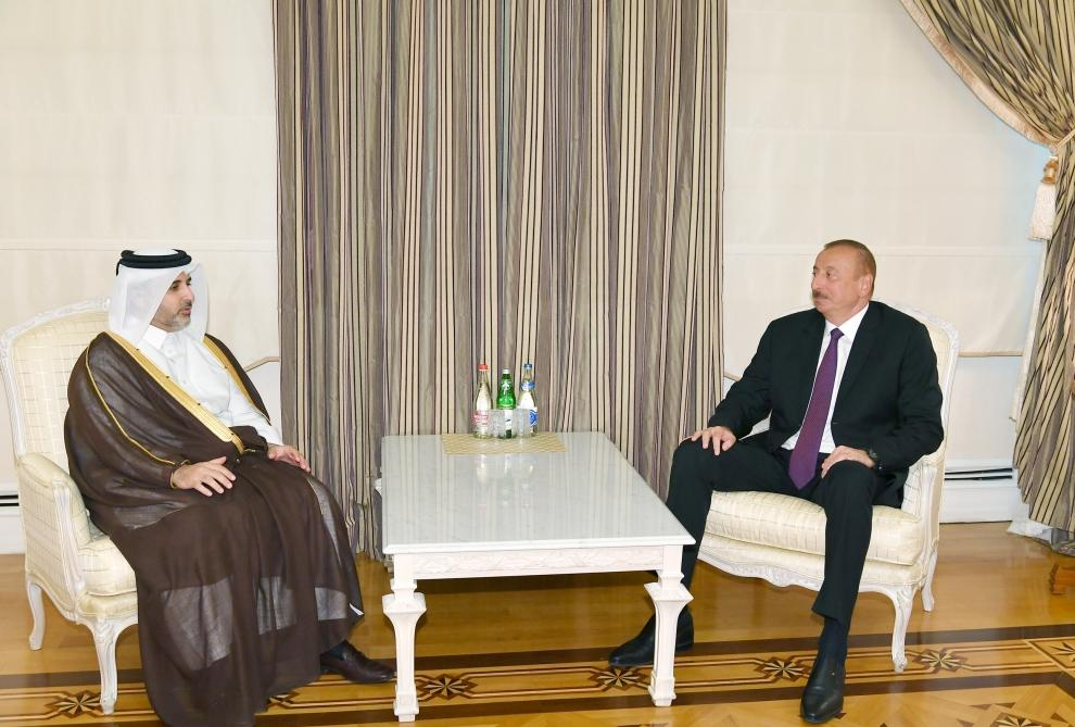 President Ilham Aliyev receives Qatari municipality, environment minister (PHOTO) (UPDATED)