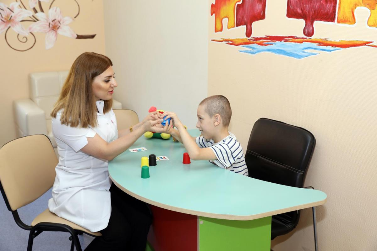 Sahil Babayev Uşaq Bərpa Mərkəzində göstərilən reabilitasiya xidmətlərinə baxış keçirib (FOTO)