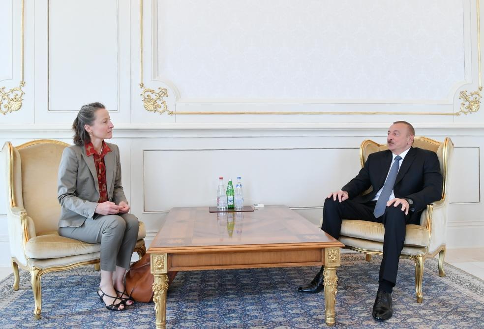 Президент Ильхам Алиев принял верительные грамоты послов ряда стран (ФОТО) (версия 3)