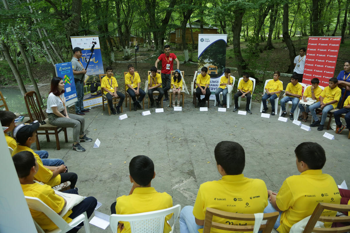 """""""Education Bus – Nasimi"""" summer school held with support of Bakcell (PHOTO)"""