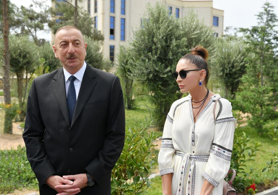 """Azerbaijani president, first lady attend opening of """"Mirvari"""" Park Complex (PHOTO)"""