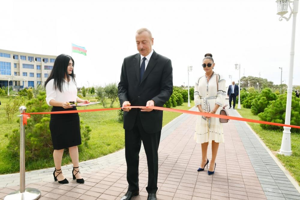 Azerbaijani president, first lady attend inauguration of new administrative building of YAP Pirallahi district branch (PHOTO)