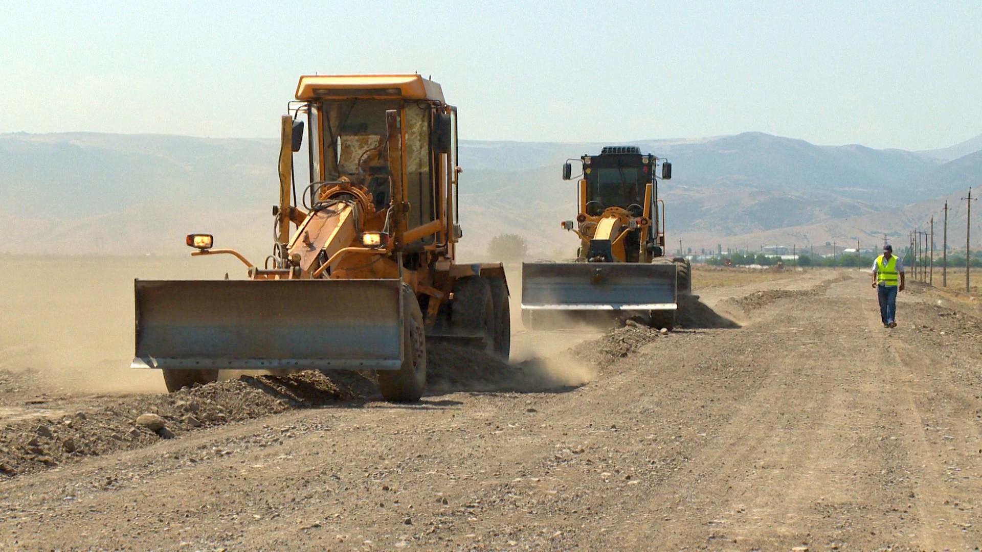 Şəmkirdə 32.9 km uzunluğunda yol yenidən qurulur (FOTO)
