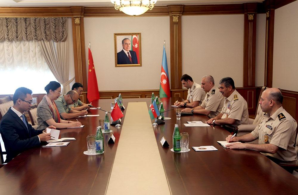 Azerbaijan, China discuss issues of military-technical co-op (PHOTO)