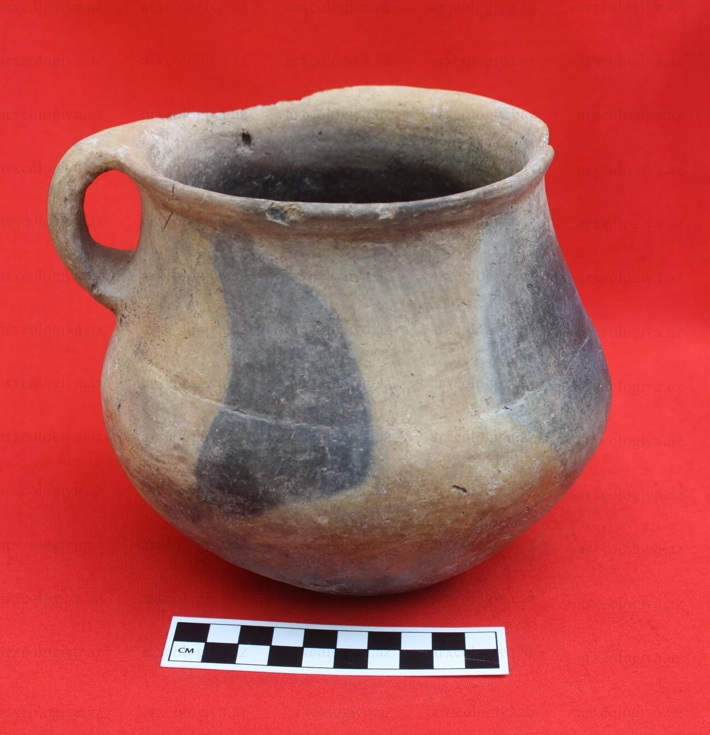 Şabranda e.ə. IV-III minilliyə aid abidədə yeni tapıntılar aşkarlanıb (FOTO)