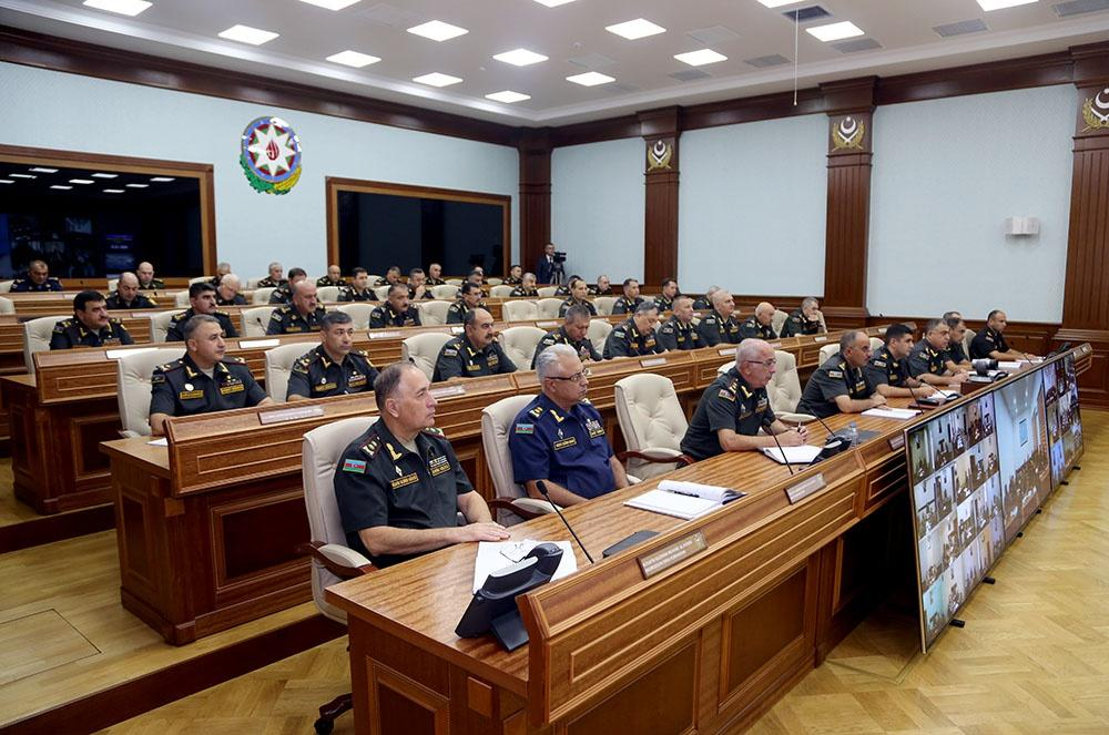 Minister: Achieving high level of combat readiness - one of Azerbaijani army's most important tasks (PHOTO)
