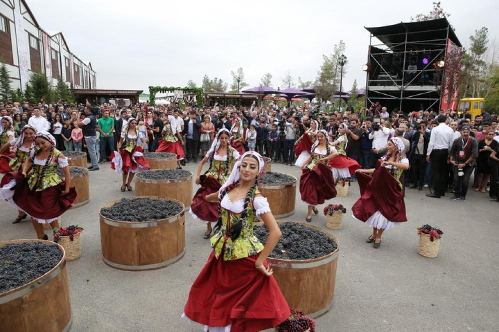 В Шамахы состоялось грандиозное открытие первого Азербайджанского фестиваля винограда и вина