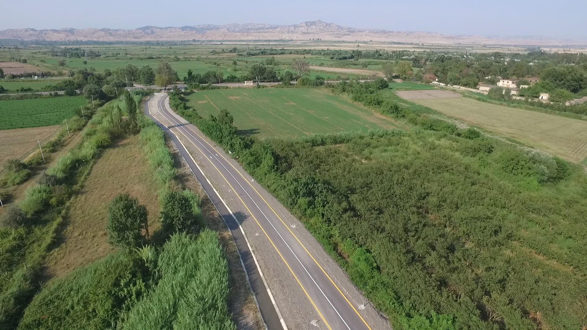 Ağdaşda 2 avtomobil yolu yenidən qurulub (FOTO)