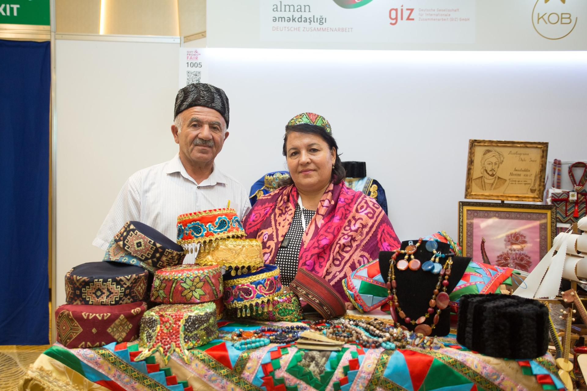 Handicraft products of SMEs showcased in Baku (PHOTO)