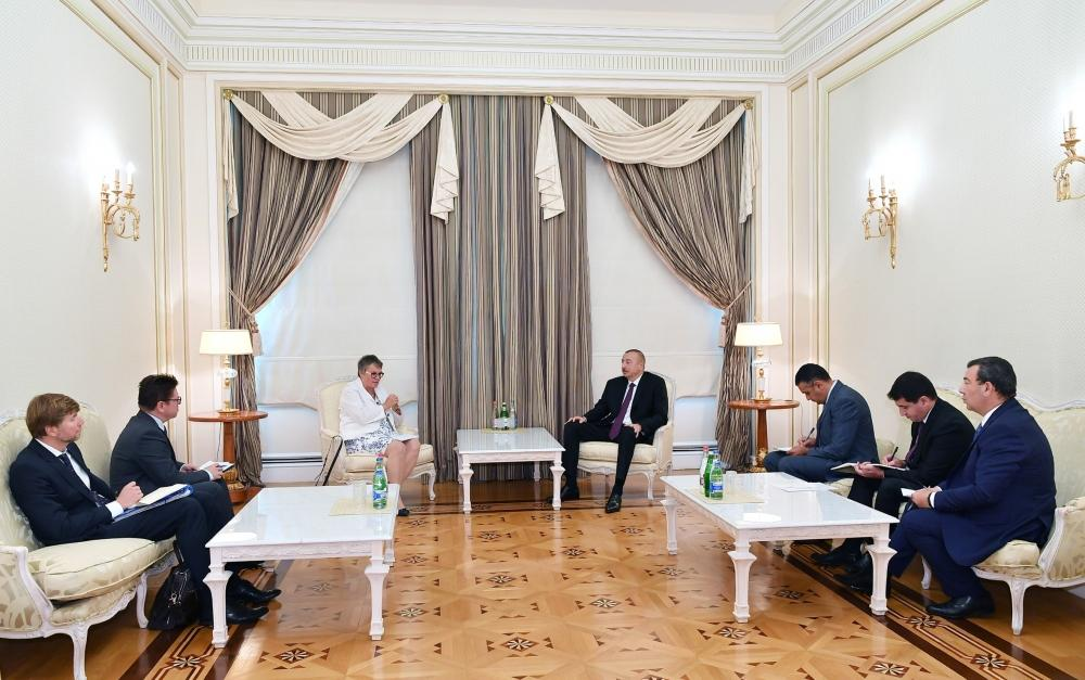 President Ilham Aliyev receives delegation led by PACE president (PHOTO)