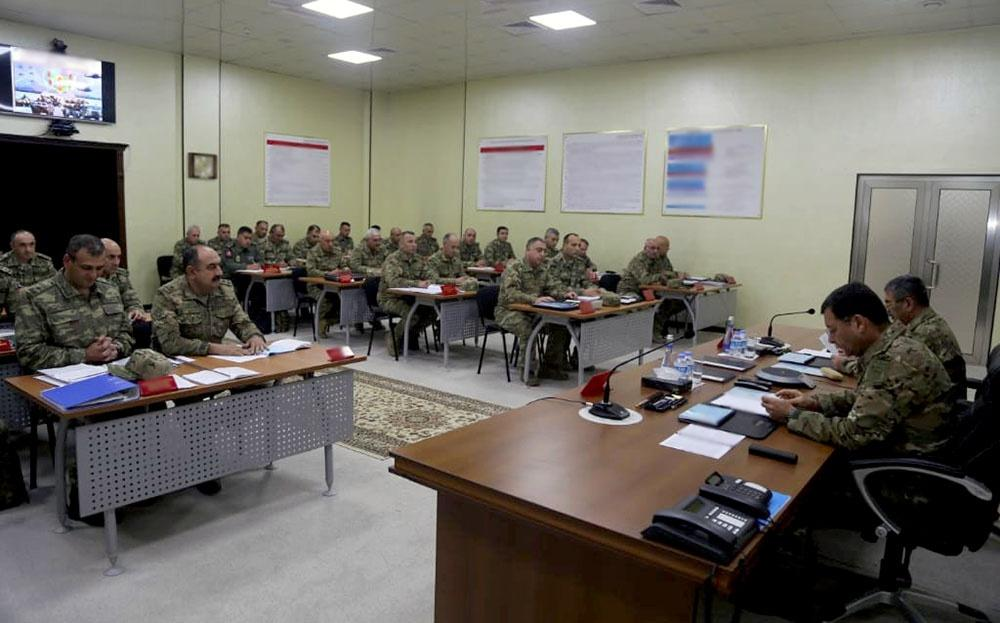 Azerbaijani defense minister hears reports on progress of military exercises (PHOTO/VIDEO)