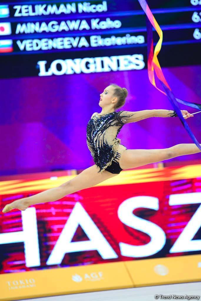 В Национальной арене гимнастики в Баку продолжаются соревнования Чемпионата мира (ФОТО)