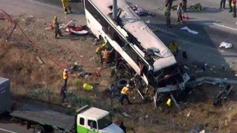 Tour bus crash kills 4 near national park in Utah
