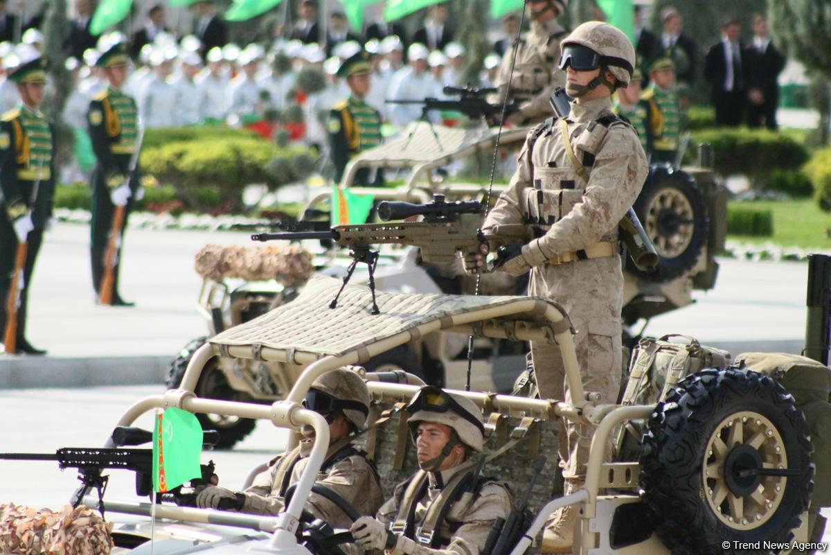 В Туркменистане прошёл военный парад в честь Дня независимости (ФОТО)