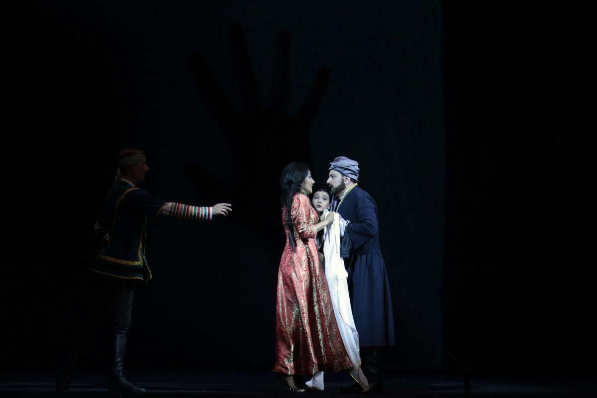 """Такого еще не было! Потрясающая премьера грандиозной оперы """"Мехсети"""" с 3D оформлением в Баку (ВИДЕО, ФОТО)"""