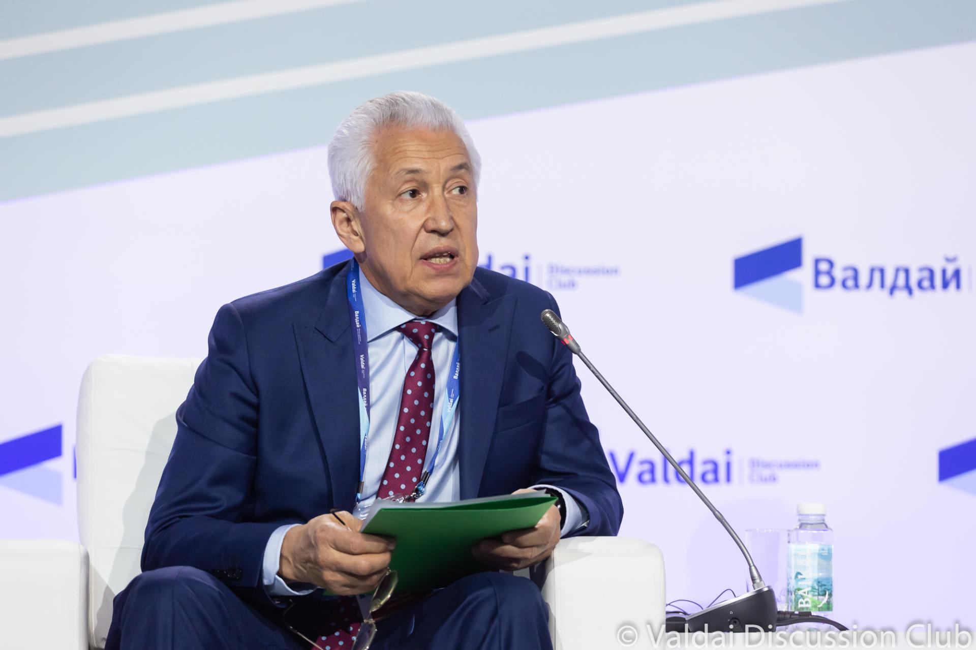 Trend's deputy director general moderated special session of Valdai Club annual meeting (PHOTO)