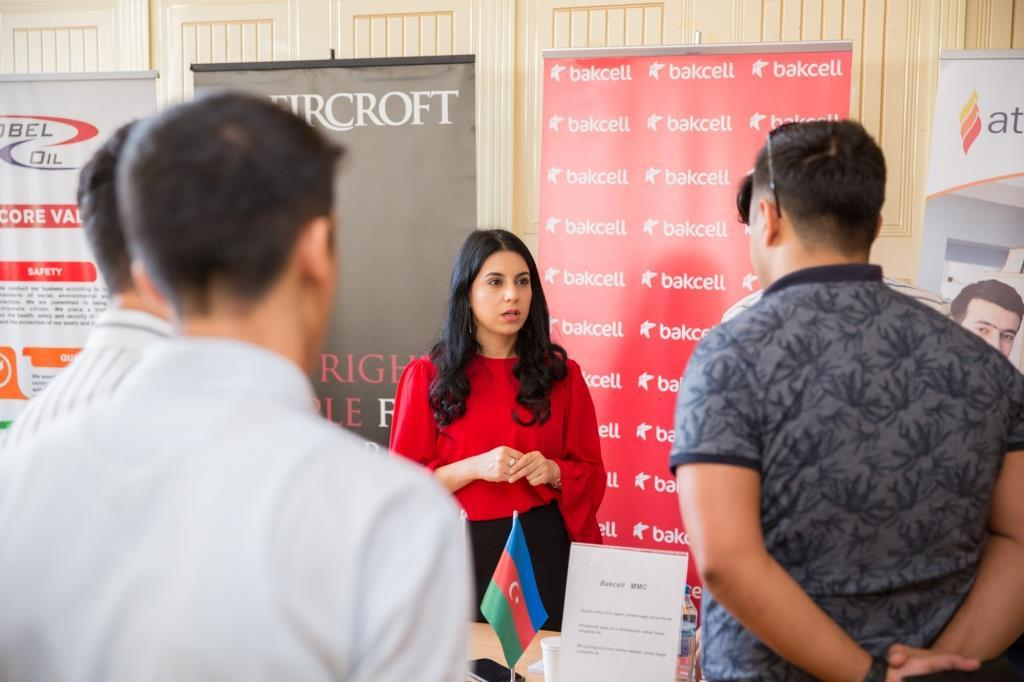 Bakcell discusses career opportunities with students, graduates of BSU (PHOTO)