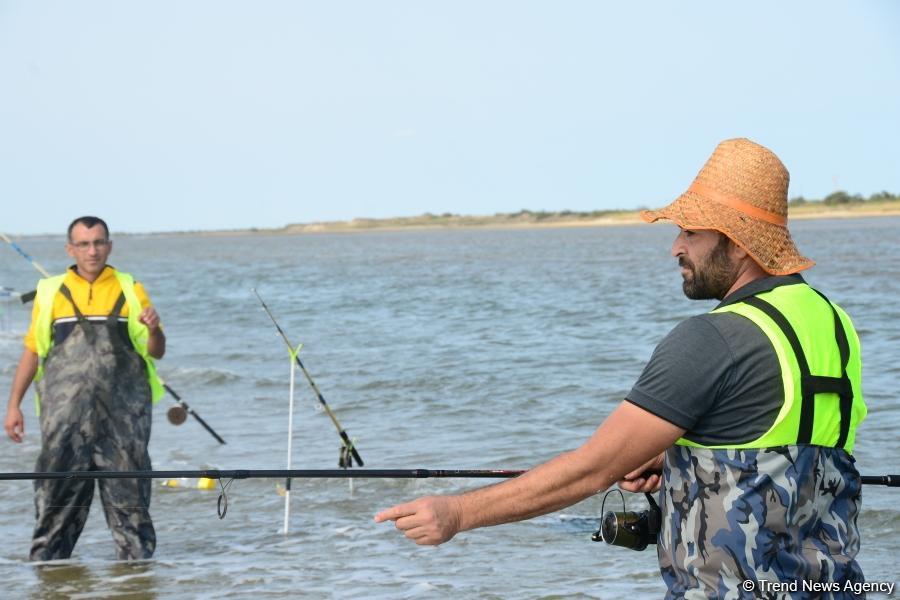 В Абшеронском национальном парке прошел турнир по рыболовству (ФОТО)