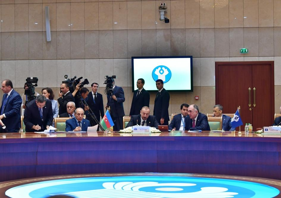 President Ilham Aliyev attends expanded session of CIS Heads of State Council in Ashgabat (PHOTO)