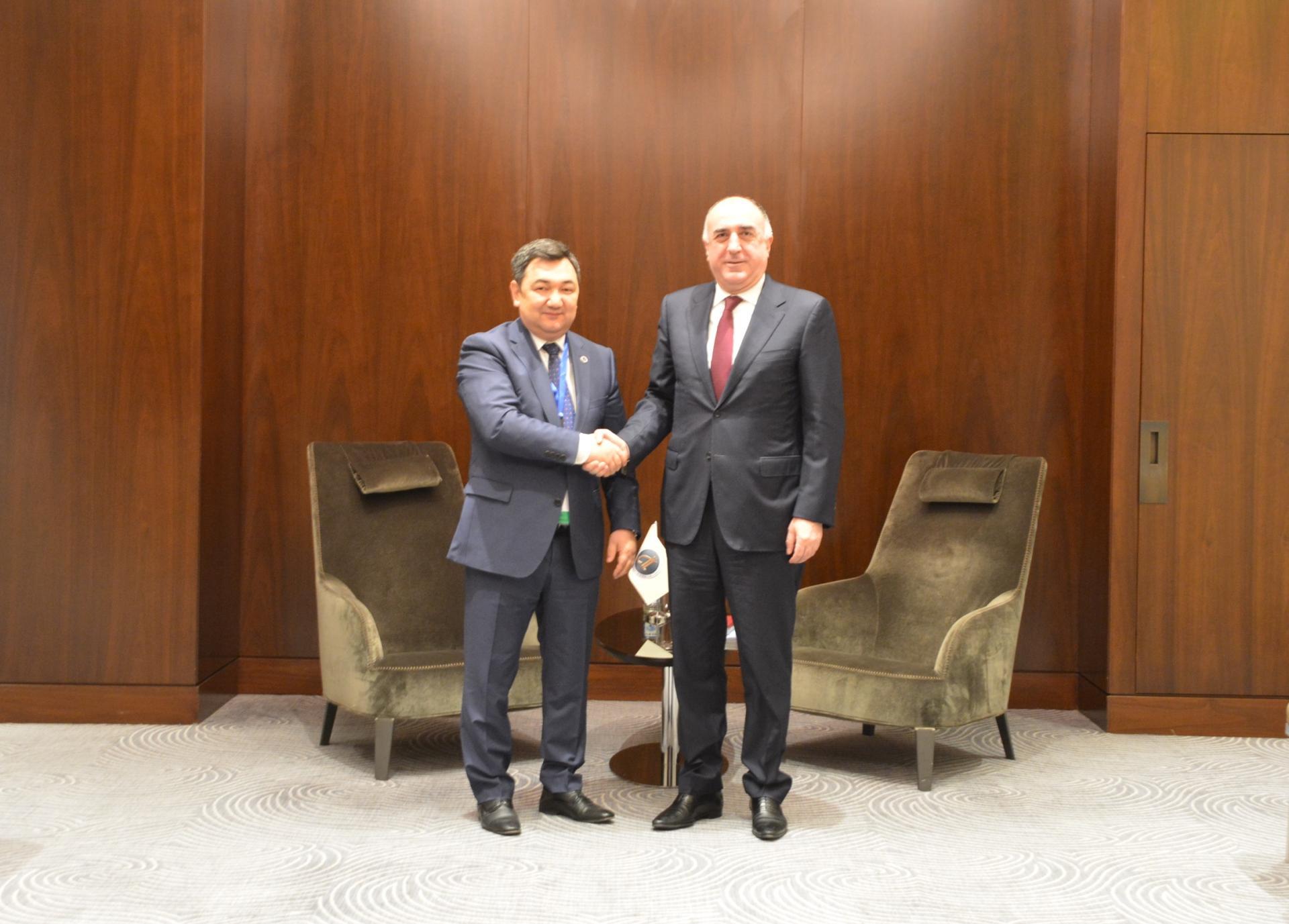 Azerbaijani FM meets president of Int'l Turkic Academy (PHOTO)