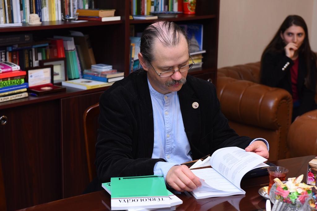 ADU-nun rektoru Elte Universitetinin nümayəndəsi ilə görüşüb (FOTO)