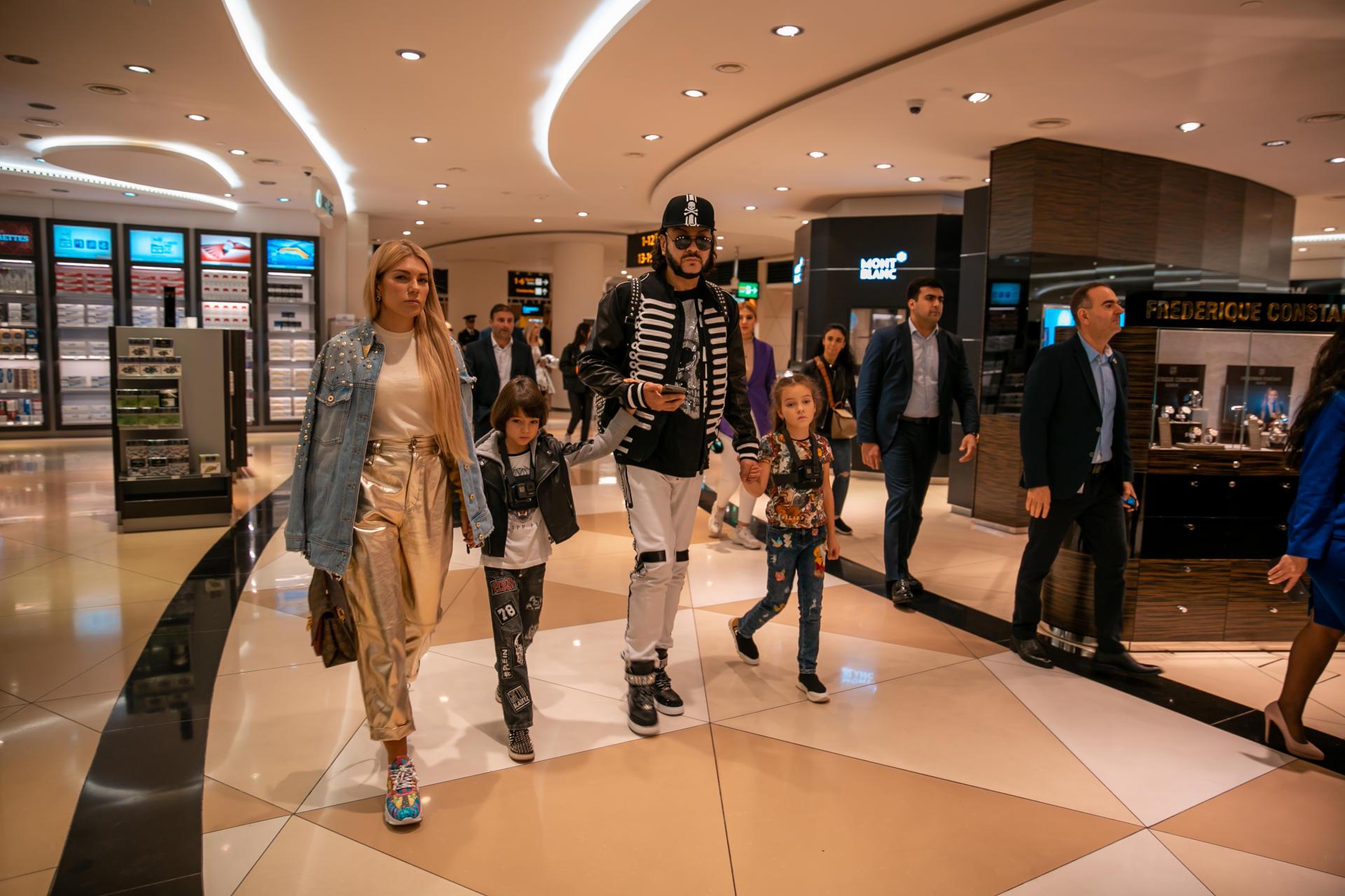 Филипп Киркоров признался в любви к Азербайджану – интересная беседа с Королем в аэропорту (ФОТО/ВИДЕО)