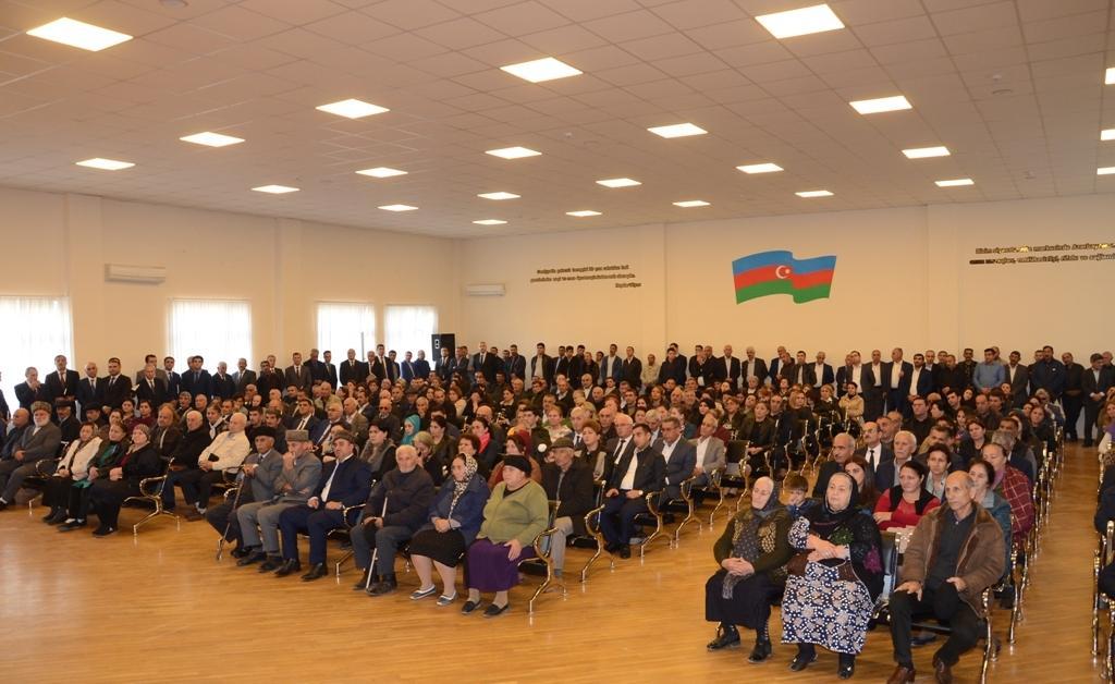 Мэр Баку поручил решить проблемы жителей поселка Сабунчи (ФОТО)