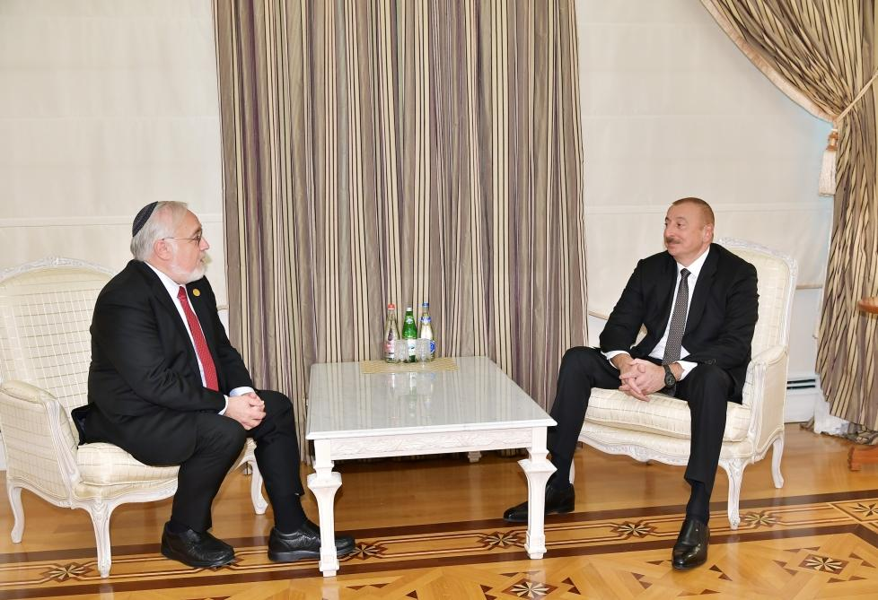 Ilham Aliyev receives president of US Congress of Christian Leaders (PHOTO)