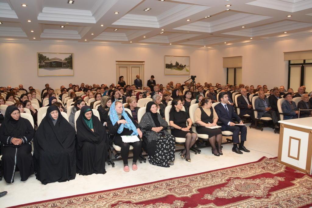 Главы Баку и районов обсудили проблемы жителей Баку (ФОТО)