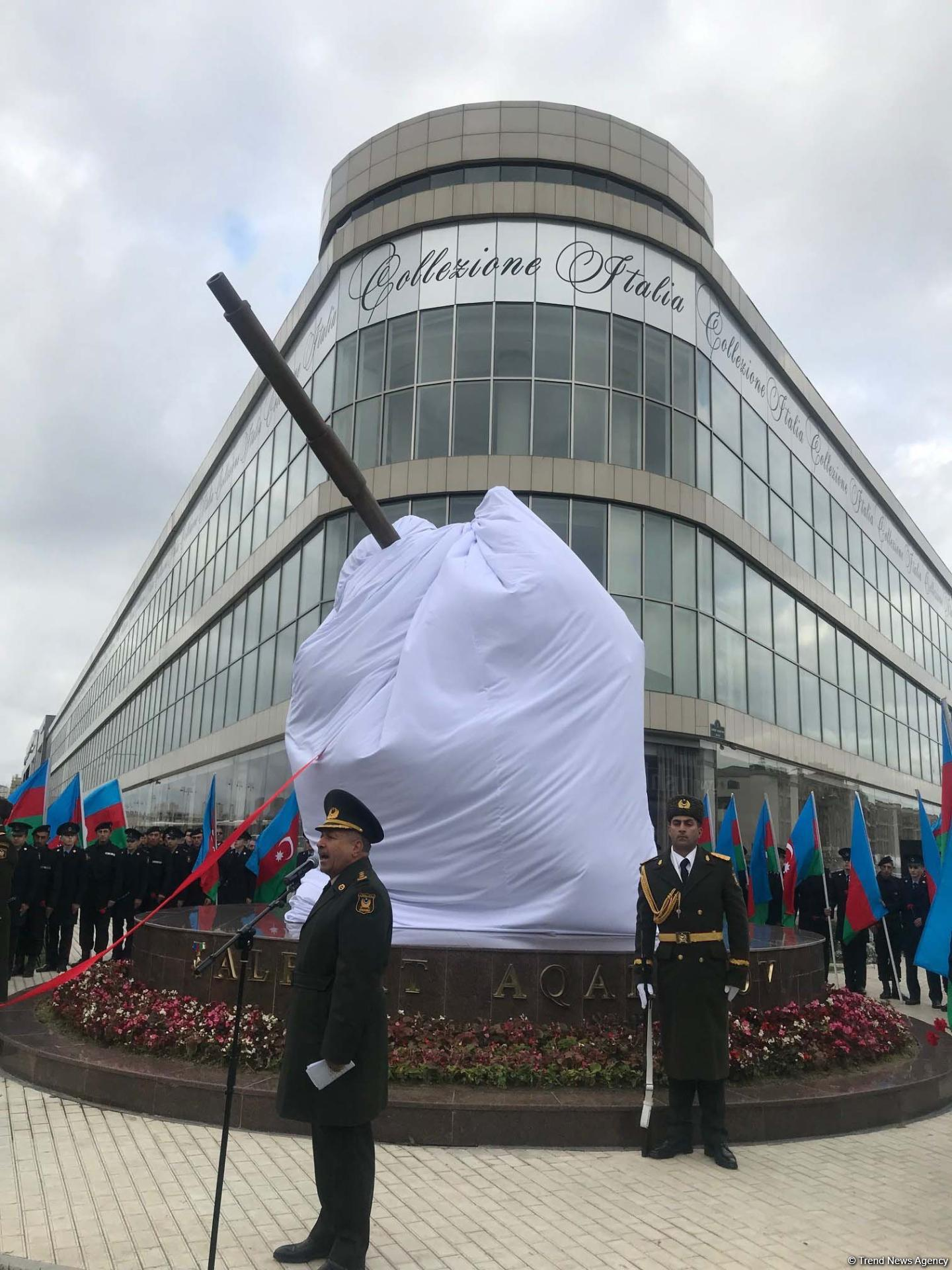 Monument to Azerbaijan's National Hero Albert Agarunov opens in Baku (PHOTO)