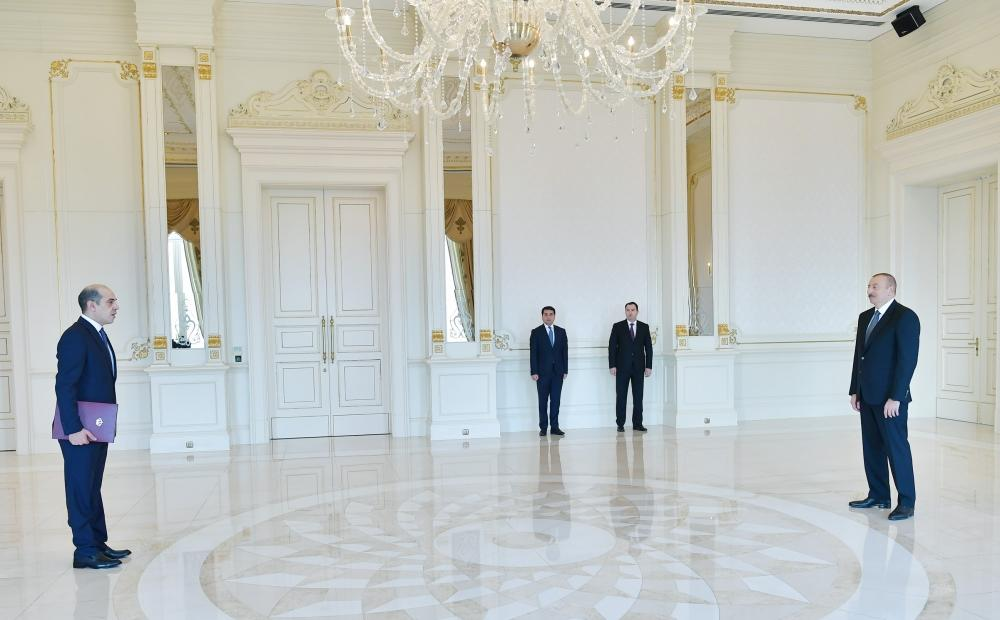 President Aliyev receives credentials of incoming Jordanian ambassador (PHOTO)