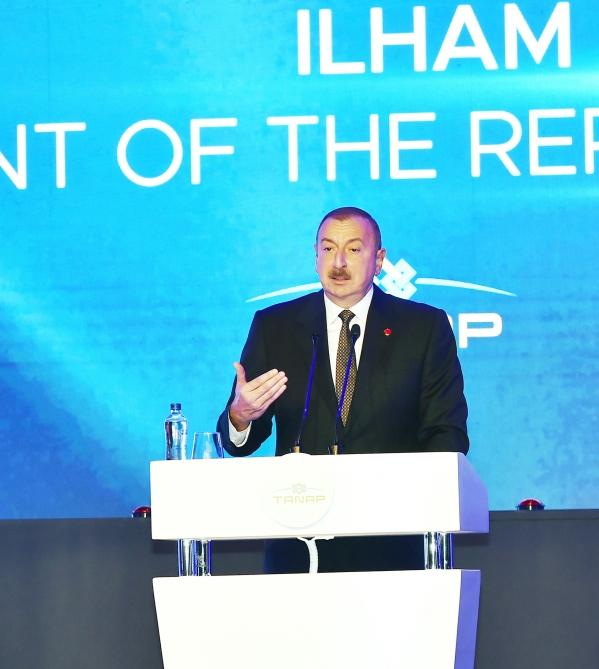 Президент Ильхам Алиев принял участие в церемонии открытия части проекта TANAP, соединяющейся с Европой (ФОТО)