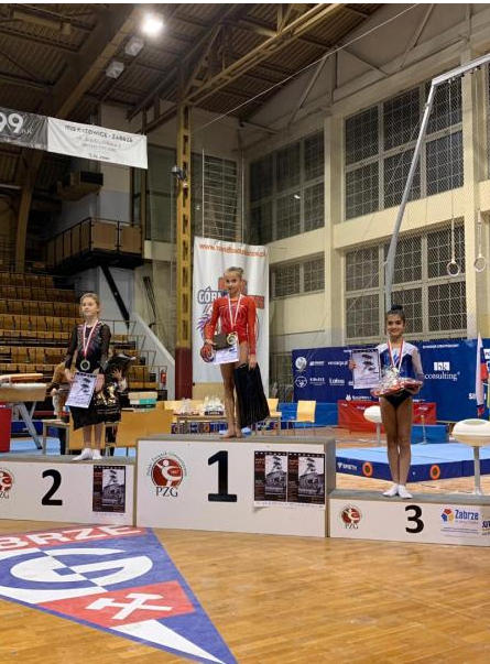 Qadın idman gimnastlarımız Polşadan medallarla qayıdır (FOTO)